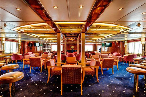 Sea Spirit club lounge