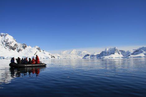 antarctique zodiac