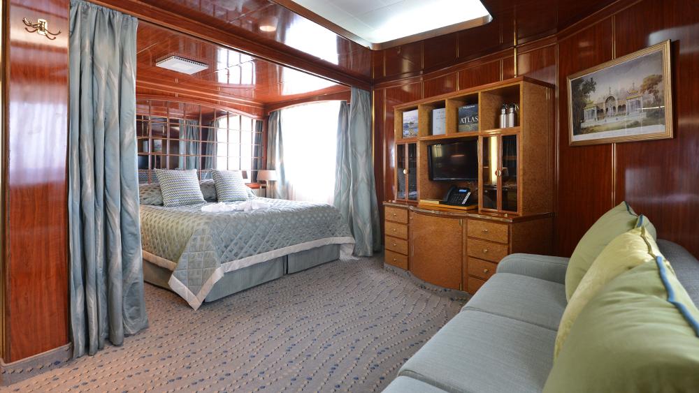 Hebridean Sky Island Deluxe Suite