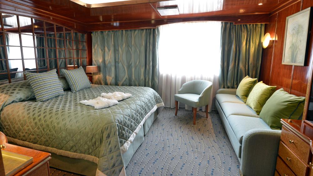 Hebridean Sky Island Promenade Suite